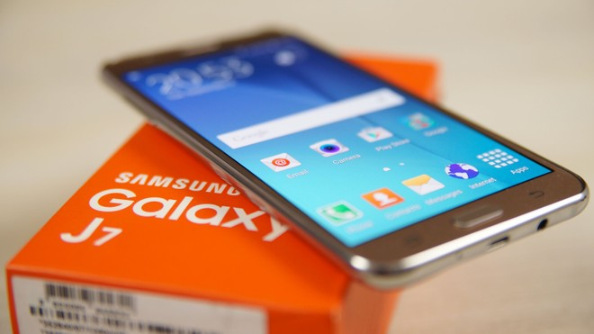 Galaxy J7 on T-Mobile gets December security update