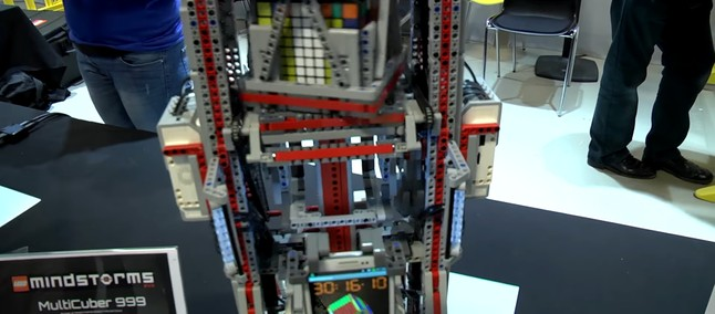 Watch a Lego contraption solve 9x9x9 Rubik's Cube under 34 minutes