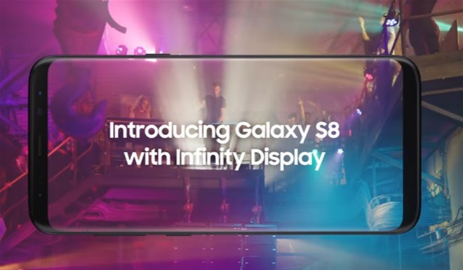 Samsung Commercial Displays >> Samsung Galaxy S8 First Tv Commercial Is All About The Infinity