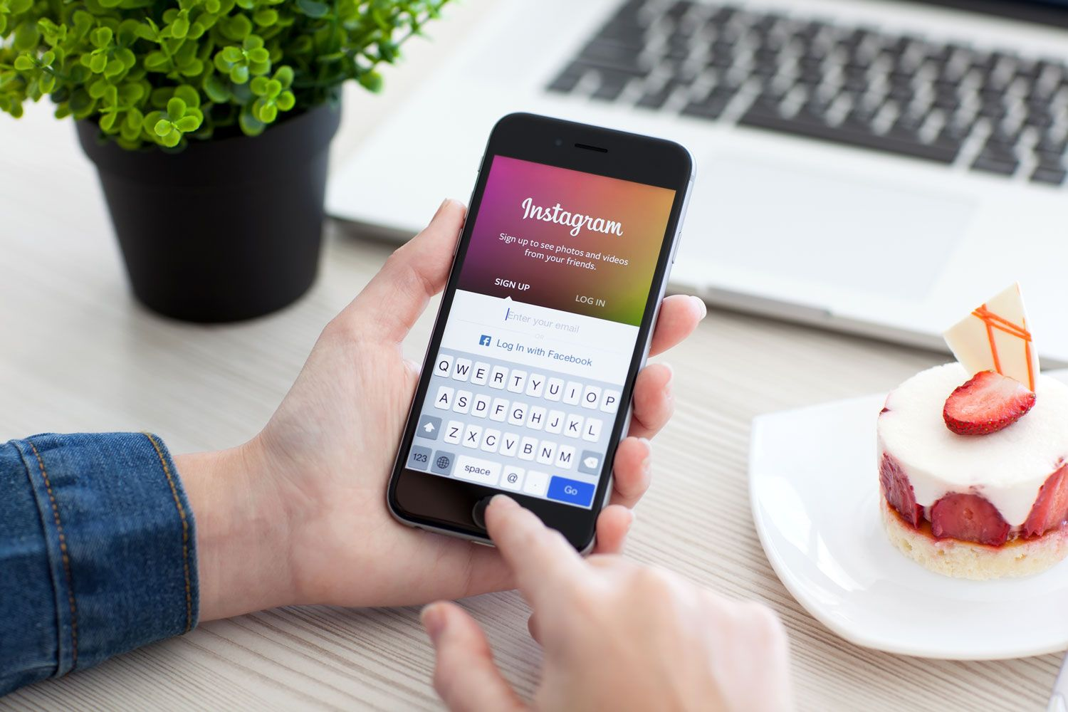 How to copy photo on instagram