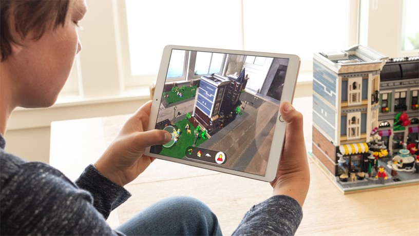 Apple launches ARKit 2 with improved face tracking, realistic