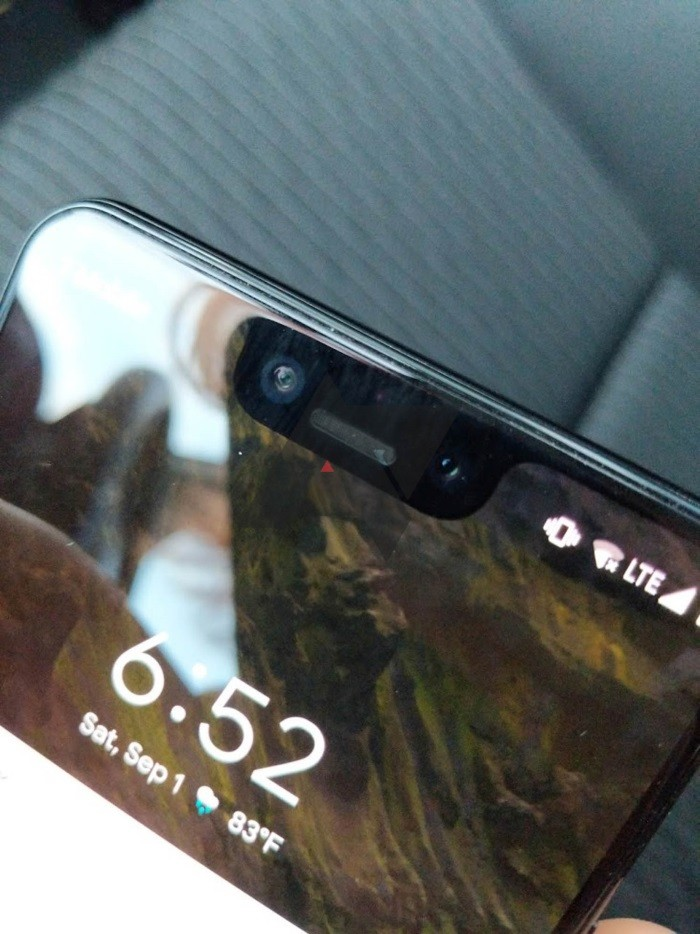 Google Pixel 3 and Pixel 3 XL live wallpapers leaked