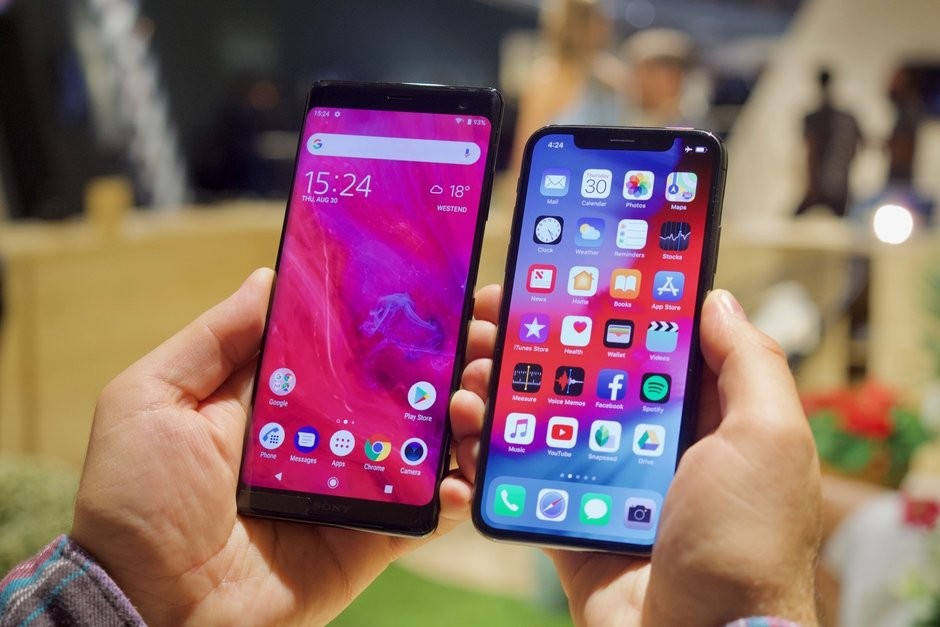 Sony Xperia XZ3 vs iPhone X: What's the difference