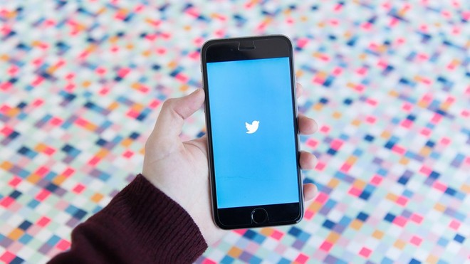 Twitter for iOS receives new floating compose button and new spam